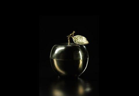 Le Petite Pomme D'Or Candle design by DL & Co.